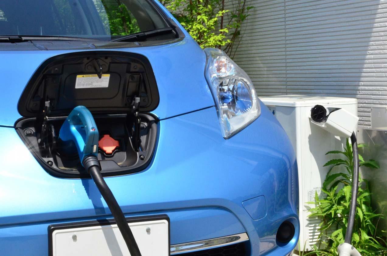 電気自動車(EV車)とは?近い将来、ガソリン車販売禁止になるの?車買取にも影響が出るのか?